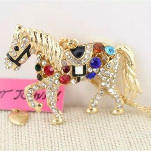 NWT Betsey Johnson rhinestone horse necklace